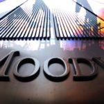 Восстановление спроса на нефть и газ не снизит волатильность цен — прогноз Moody's