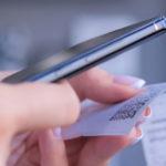 Банки смогут подключать карты «Мир» к платежному сервису Apple Pay