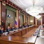 Мишустин: Предпринятые кабмином меры удержали ВВП от серьезного падения