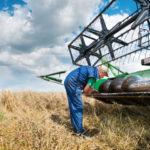 На субсидии производителям сельхозтехники выделено 36,7 млрд рублей