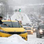 ФАС начала проверку цен на такси во время снегопада в Москве