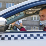 30 процентов владельцев бизнеса перешли на работу в такси