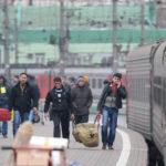 Мигрантов будут возить  на стройки на чартерных поездах